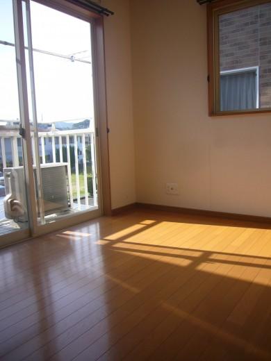2階南側のお部屋です(寝室)