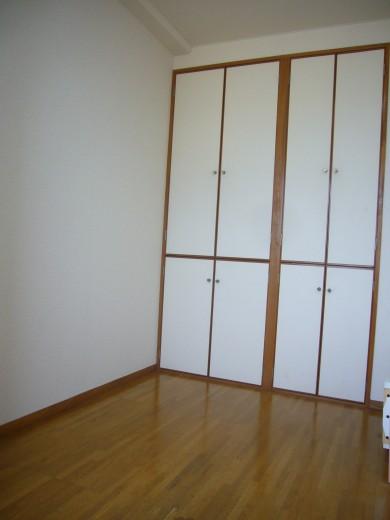 6帖洋室の収納